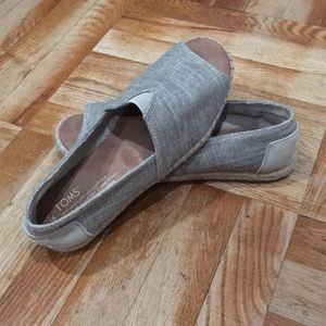 Toms open toe espadrille flats